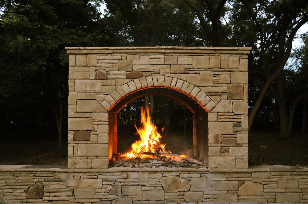 outdoor_fireplace_stone