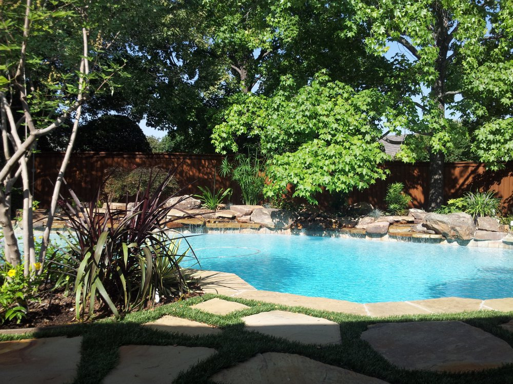 swimming_pool_remodel_flagstone_landscaping