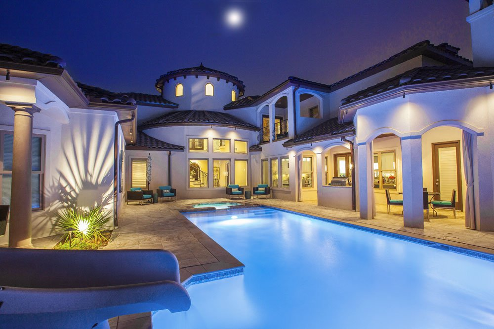swimming_pool_scarlett_homes_lighting_outdoor_kitchen_spa
